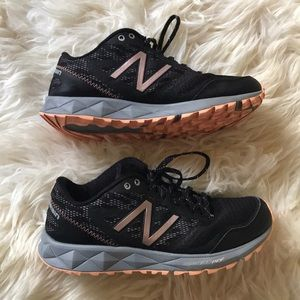 New Balance Sneakers - $25 (size 6)